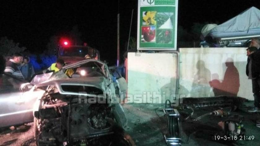Τραγωδία στην Ιεράπετρα: Δύο νεκροί και δύο σοβαρά τραυματίες από σοκαριστικό τροχαίο (pics)
