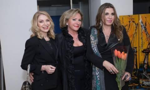 Έκθεση «Women Bridging World»: Όταν μία βραβευμένη εικαστικός συναντά μία γνωστή δημιουργό... (vd)
