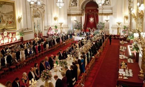 Τι έτρωγαν οι Ευρωπαίοι μονάρχες; Αυτό είναι το «βασιλικό τραπέζι» 19 οίκων