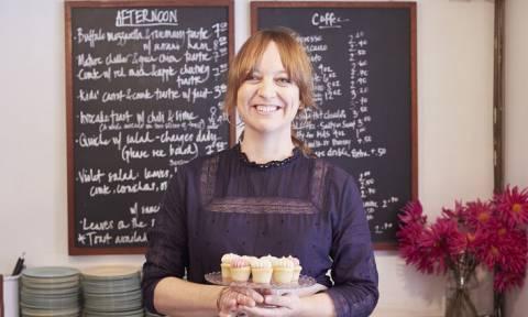 Λύθηκε το μυστήριο: Αυτή η σεφ θα φτιάξει τη γαμήλια τούρτα του πρίγκιπα Χάρι και της Μέγκαν Μαρκλ