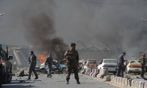 O τρόμος επέστρεψε στην Καμπούλ: Επίθεση αυτοκτονίας του ISIS σε νοσοκομείο με δεκάδες νεκρούς (Vid)