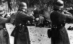Έξαλλη η Μέρκελ: Η Πολωνία ζητά αποζημίωση για τα εγκλήματα της ναζιστικής Γερμανίας