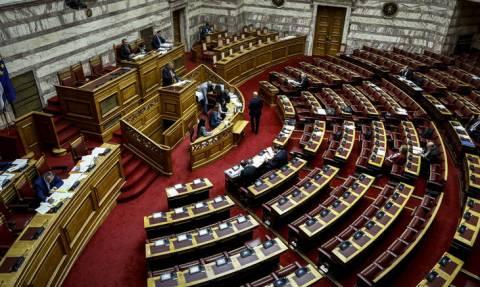 Ψηφίστηκε στη Βουλή ο νέος ΚΟΚ – Οι αλλαγές και τα νέα πρόστιμα