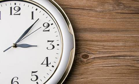 Αλλαγή ώρας 2018: Πότε θα γυρίσουμε τα ρολόγια στη θερινή;