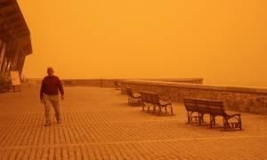 Καιρός - Κρήτη: Η αμμοθύελλα «έπνιξε» το νησί (pics)