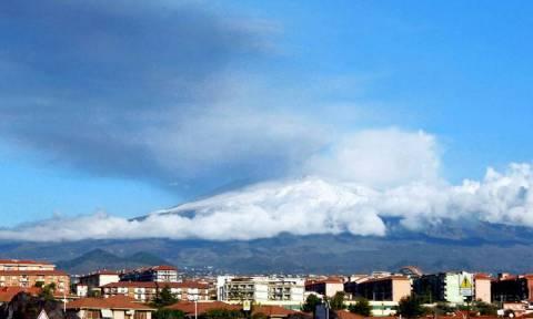 Αίτνα: Το πιο ενεργό ηφαίστειο της Ευρώπης «γλιστράει» προς τη θάλασσα