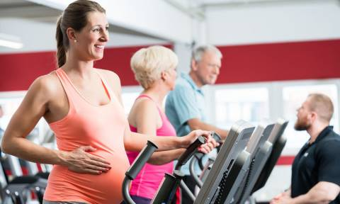 Αναζωογόνηση ωοθηκών: Το δώρο της τεκνοποίησης για μεγάλες ηλικίες