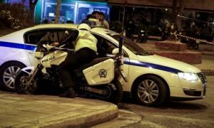 Εμπρηστική επίθεση στο τμήμα Τροχαίας Περιστερίου - Μολότοφ και στα Εξάρχεια