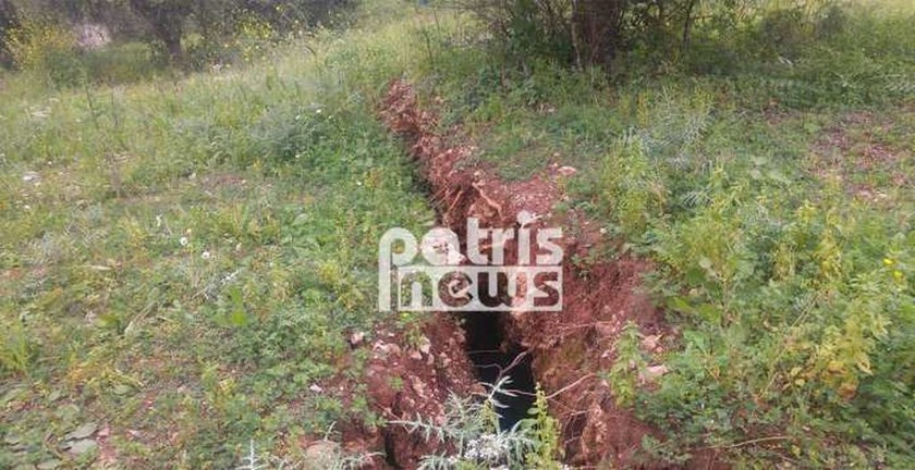 Ανησυχία στην Ηλεία: «Σκίστηκε» στα δύο το βουνό στο Κατάκολο (Photo)