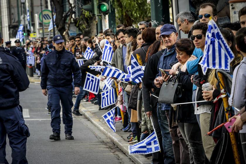 LIVE 25η Μαρτίου: Η στρατιωτική παρέλαση στο κέντρο της Αθήνας (pics)