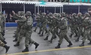 Θεσσαλονίκη: Σείστηκε η γη – Καταδρομείς φωνάζουν συνθήματα για την Μακεδονία (videos)