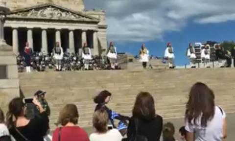 Αυστραλία: Μεγαλειώδης παρέλαση για την 25η Μαρτίου στη Μελβούρνη (vid)