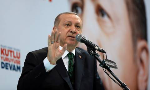 Σε ρόλο «πορθητή» ο Ερντογάν στη Βάρνα: Απειλές και ύβρεις εναντίον όλων