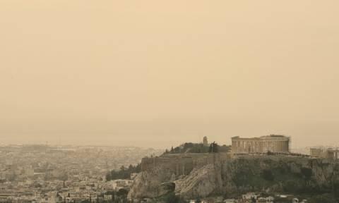 Καιρός – Τι αποκαλύπτει επιστήμονας για την αφρικανική σκόνη που «σκέπασε» τη χώρα μας