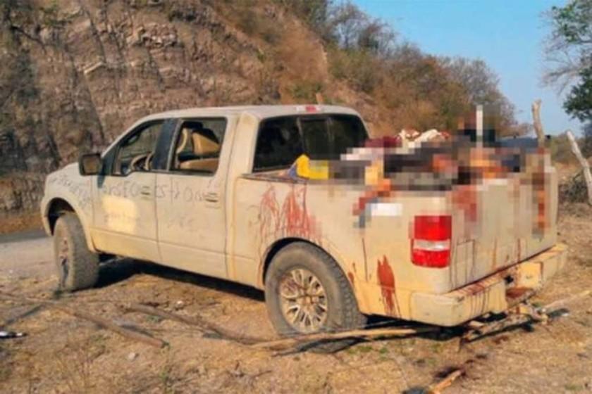 Εικόνες φρίκης στο Μεξικό: 15 πτώματα βρέθηκαν σε εγκαταλελειμμένο φορτηγάκι (ΣΚΛΗΡΕΣ ΕΙΚΟΝΕΣ)