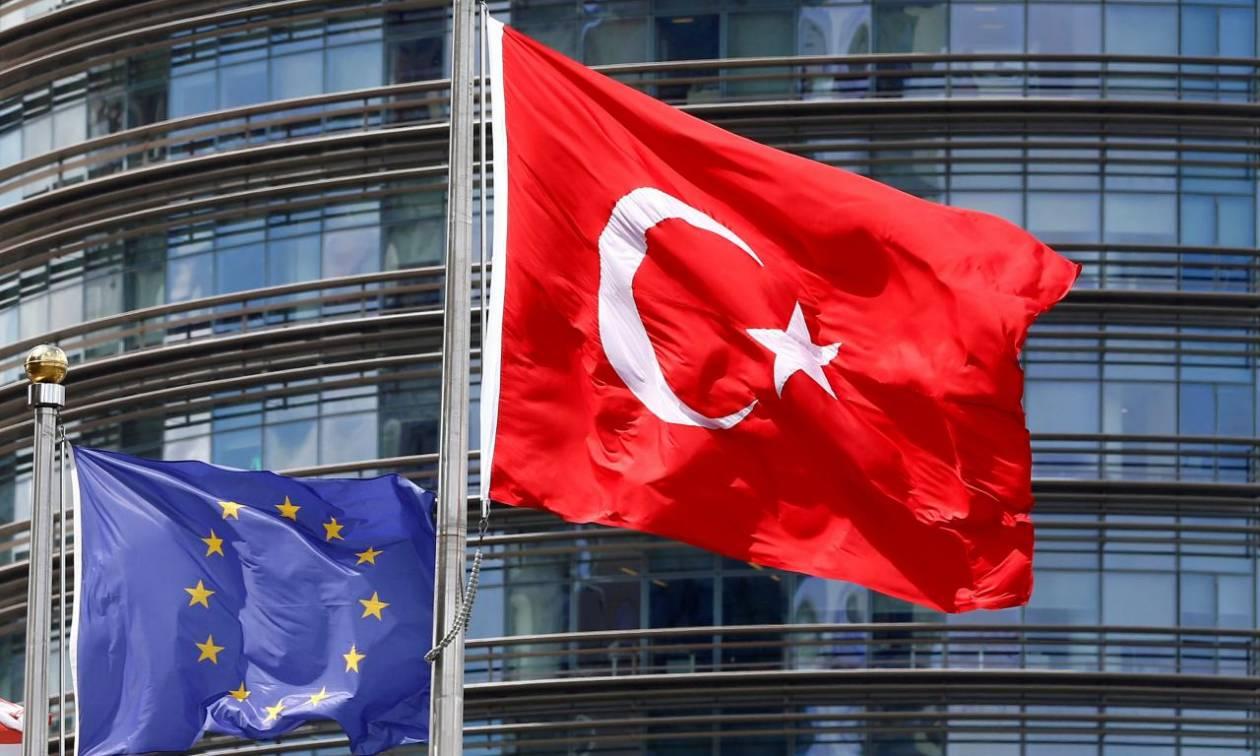 Die Welt: «Πάγο» στην ένταξη της Τουρκίας στην ΕΕ βάζει η Αυστρία