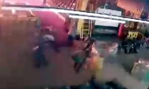 Βίντεο - ΣΟΚ: Η στιγμή που ξεσπά η πυρκαγιά στη Ρωσία που στοίχισε τη ζωή σε 64 ανθρώπους