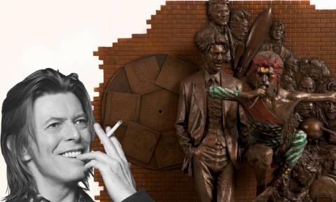 Παγκόσμια συγκίνηση: Δείτε το άγαλμα που έφτιαξαν για τον τεράστιο καλλιτέχνη!