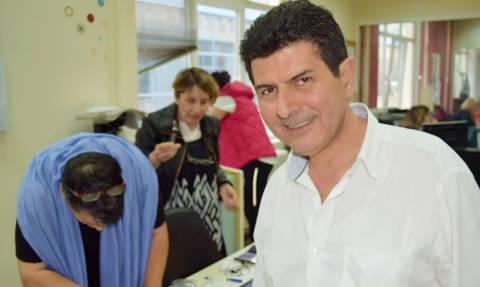 Νίκος Γρυλλάκης: Έτσι τον αποχαιρετούν οι συνάδελφοί του στην ΕΡΤ (pic)