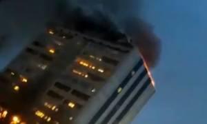 Νέος συναγερμός στη Ρωσία από φωτιά σε πολυκατοικία με 200 άτομα (vids)