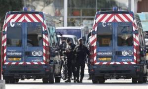 Ομηρία Γαλλία: «Αλλάχ Ακμπάρ» φώναζε κατά τη σύλληψή της η σύντροφος του δράστη