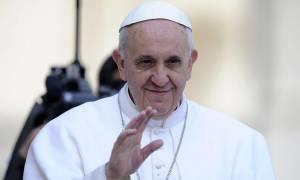 Πάπας Φραγκίσκος: Ευχαριστώ που μας προστατεύετε από τους «τρελούς» τρομοκράτες