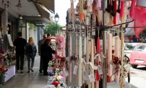 Πάσχα 2018: Αυτό είναι το εορταστικό ωράριο - Δείτε πώς θα λειτουργήσουν τα καταστήματα