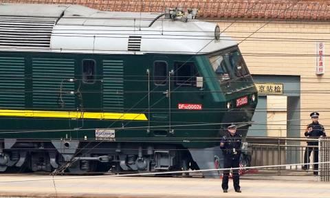 Βόρεια Κορέα: Ο Κιμ Γιοννγκ Ουν και το μυστηριώδες πράσινο τραίνο στο Πεκίνο (Vids)