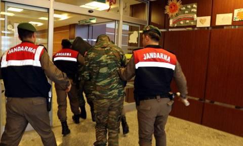 Στο… φουλ η προπαγάνδα του Ερντογάν: «Πέντε χρόνια φυλακή στους δύο Έλληνες στρατιωτικούς»
