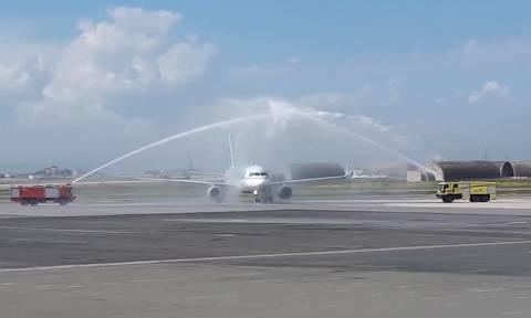 Με αψίδα νερού υποδέχτηκε την πρώτη πτήση της Qatar η Θεσσαλονίκη! (video+pics)
