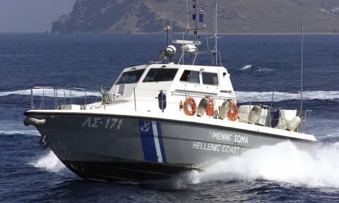 Σκάφος του Λιμενικού άνοιξε πυρ κατά τουρκικού πλοίου