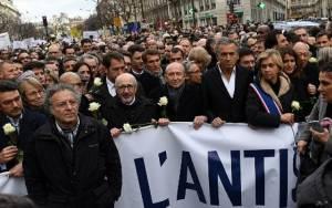 Γαλλία: Χιλιάδες πολίτες στη «Λευκή Πορεία» κατά του αντισημιτισμού (vids+pics)