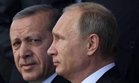 Εμπλοκή το Πάσχα: Τρόμος για τους οκτώ Τούρκους και ανησυχία για τους δυο Έλληνες στρατιωτικούς