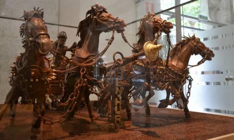 Τεράστια αγάλματα από βελγική σοκολάτα που αλλού; Στο Βέλγιο! (pics)