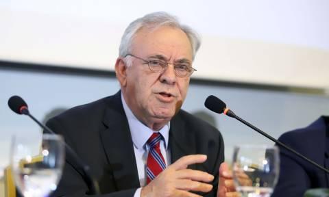 Δραγασάκης: Χωρίς ισχυρή βιομηχανία δεν μπορούμε να είμαστε βιώσιμοι στο ευρώ