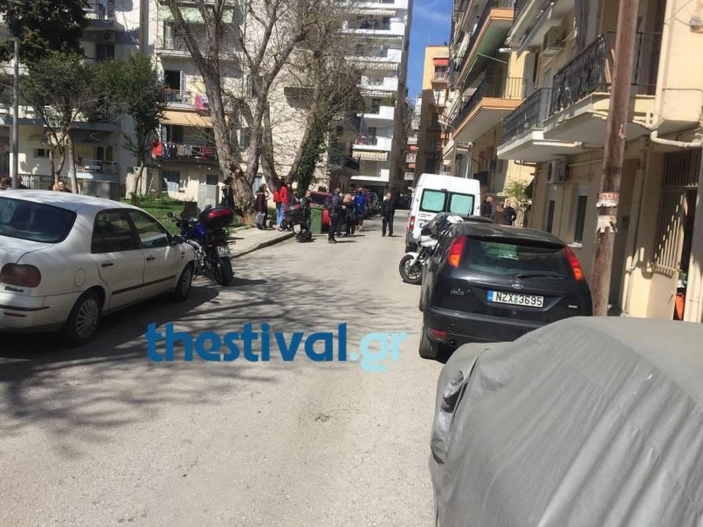 Τραγωδία στη Θεσσαλονίκη: Νεκρή 17χρονη που έπεσε από μπαλκόνι (pics)