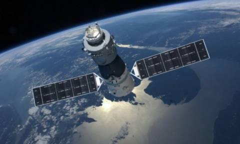 Ώρα μηδέν: Πότε θα συντριβεί ο διαστημικός σταθμός στη Γη