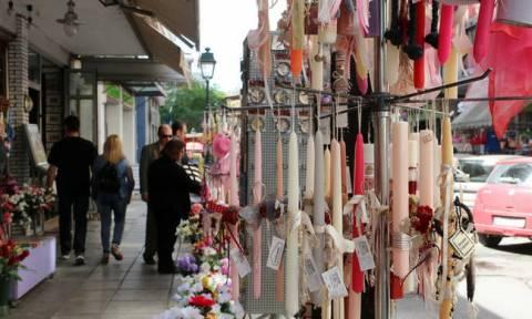 Πάσχα 2018 - Εορταστικό ωράριο: Ποια Κυριακή θα ανοίξουν τα καταστήματα
