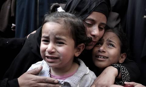 Με αίμα βάφτηκε η Γάζα: Ισραηλινοί στρατιώτες πυροβολούν Παλαιστινίους στο «ψαχνό» - 70 τραυματίες