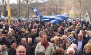 Καστοριά: Συγκέντρωση συμπαράστασης για τους δύο Έλληνες στρατιωτικούς (vids)