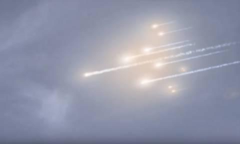 «Φωτιά από ψηλά»: Δείτε το υπερθέαμα της συντριβής του διαστημικού σταθμού Tiangong-1 στη Γη (Vid)