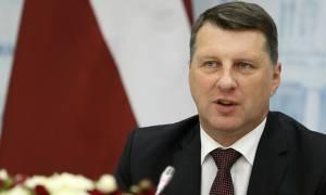 Президент Латвии утвердил реформу по переводу русских школ на латышский язык