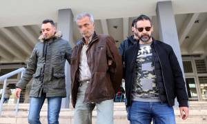 Ωραιόκαστρο: Στον ανακριτή ο 58χρονος που φυλάκισε τα ξαδέλφια του για να τους αποσπά χρήματα (vids)