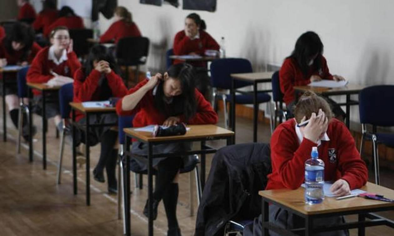 Εικόνες ντροπής στη Βρετανία: Πεινασμένοι μαθητές «κλέβουν φαγητό από το σχολείο για να ζήσουν»