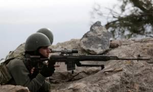 Συναγερμός στη Μανμπίτζ: Χιλιάδες ετοιμοπόλεμοι Κούρδοι περιμένουν τον στρατό του Ερντογάν