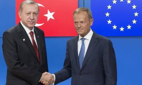 «Βόμβα»: Στον αέρα η συμφωνία ΕΕ – Τουρκίας για τους πρόσφυγες