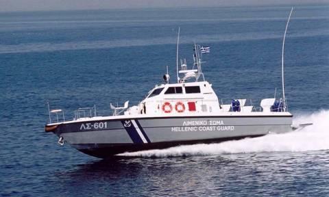Άνθρωπος έπεσε στην θάλασσα από δεξαμενόπλοιο στη Κύθνο