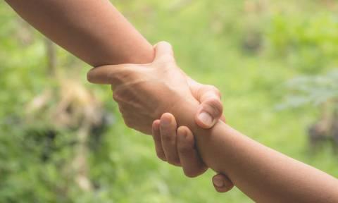 Έξι ασθένειες που προδίδουν τα χέρια σας (εικόνες)