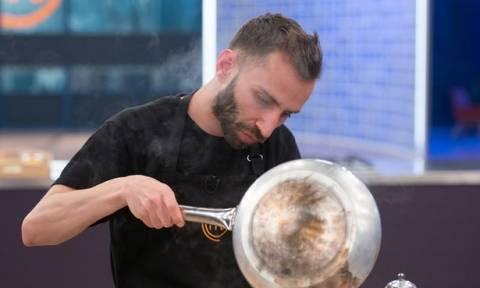 Master Chef: Ο Κωνσταντίνος Συμεωνίδης τα «βάζει» με τη διπλή προσωπικότητα του Τζώρτζη