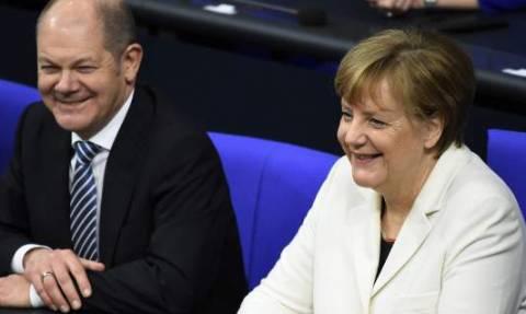 Η «φίλη» μας η Μέρκελ: Το κόμμα της ζητάει σκληρή γραμμή απέναντι στην Ελλάδα